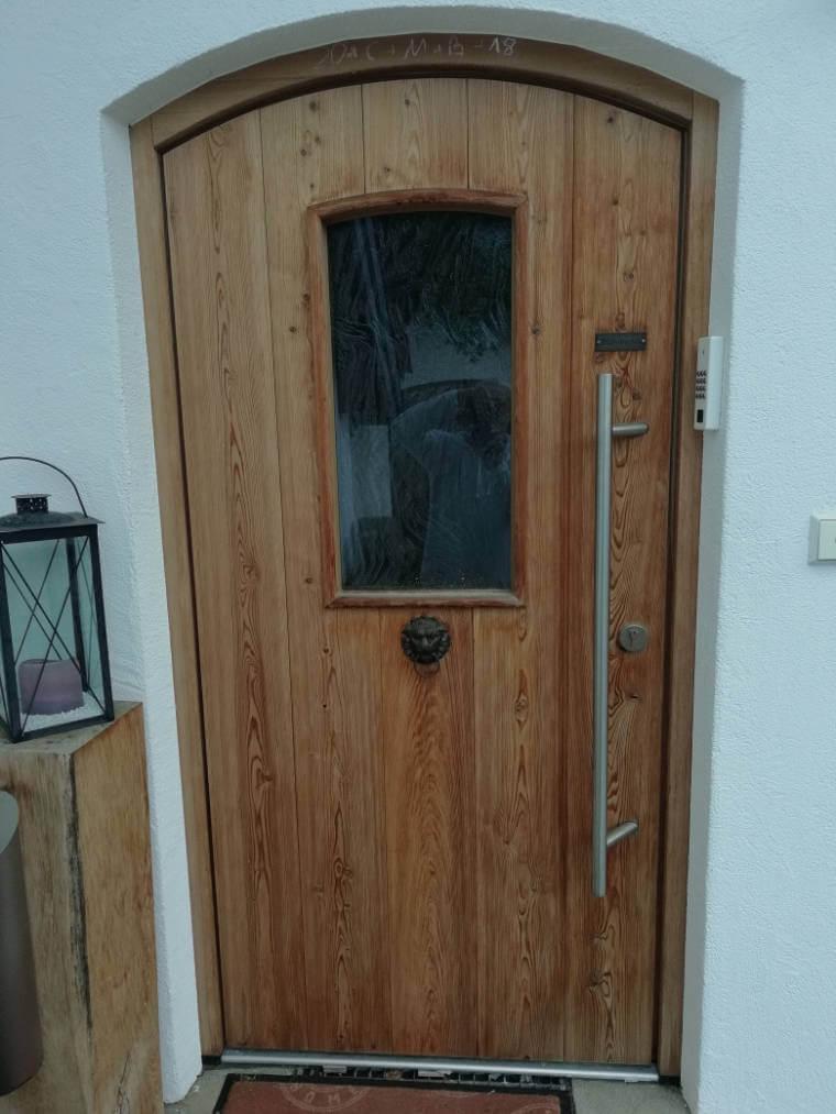 Haustüre aus Holz von Schreinrei Haberstock, Bad Hindelang